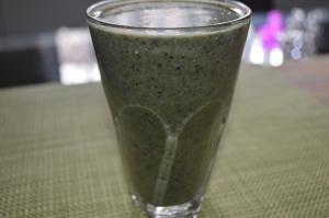 Banana Kale Mixed Berries Coconutwater Hemp seeds (2)