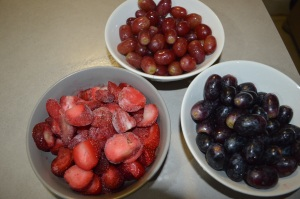 Red Grapes +Black Grapes + Strawberries 001