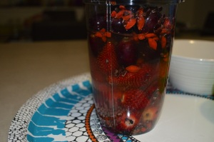 Strawberry, Seedless Grapes , Goji Berry + Organic Cacao Nibs (7)