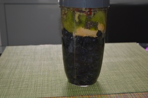 Blueberries, Banana, Kiwi , Gojiberries, Chia Seeds, Hemp Seeds (2)