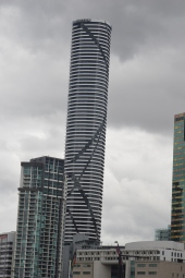 Meriton Apartments -Tallest Building Brisbane with 80 Flloors (3)