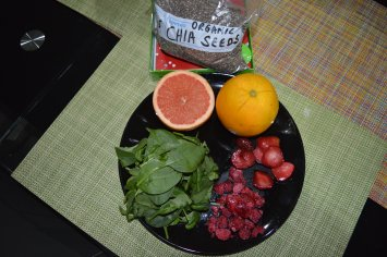 Spinach, Raspberry, Straeberry, Grapefruit, Orange , Chia Seeds (3)